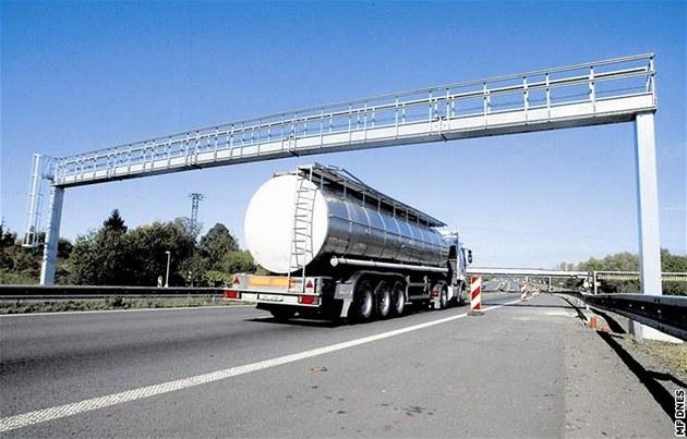 Elektronické mýtné na dálnici