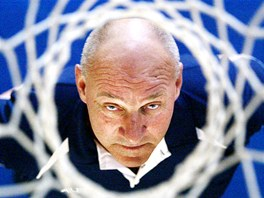 Bývalý basketbalista a trenér Jan Bobrovský