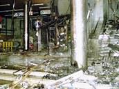 Při ničivém požáru kasina v budově naproti hlavnímu nádraží v Brně zemřeli 8. ledna 2002 dva hasiči a krupiér.