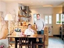 Mladá rodina architekta Du Croze si přestavěla domek bývalých veřejných záchodků ve Witney v Oxfordshiru.