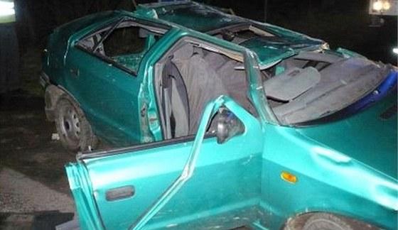 Škoda Felicia po nehodě v Červené Vodě (6. dubna 2011)