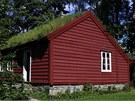 Zatravněné střechy vytváří vhodné podmínky pro hmyz a příjemně voní.