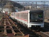 Souprava v železniční stanici Krč.