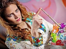 Vladivojna La Chia ve svém ateliéru