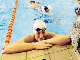 Plavkyně Lenka Štěrbová trénuje v chrudimském bazénu.