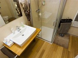 I v koupelně najdete bambusovou podlahu.