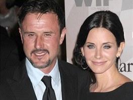 Courteney Coxová s manželem Davidem Arquettem žijí odděleně.