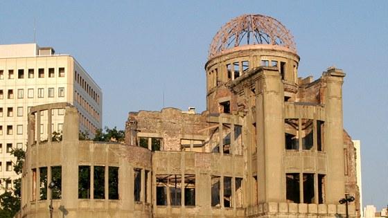 Tehdejší Průmyslový palác (dnes Hirošimský památník míru) československého architekta Jana Letzlera v japonské Hirošimě