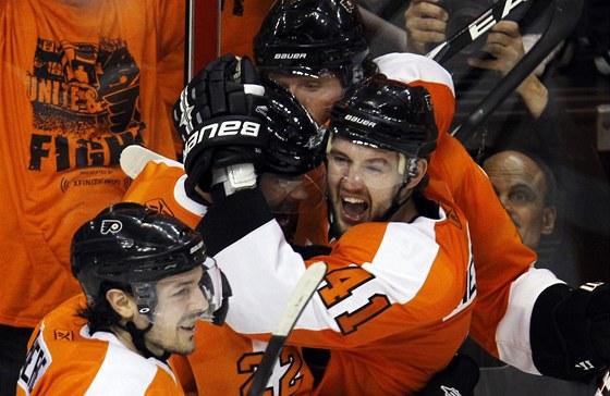 Radost v pod�n� hokejist� Philadelphie.