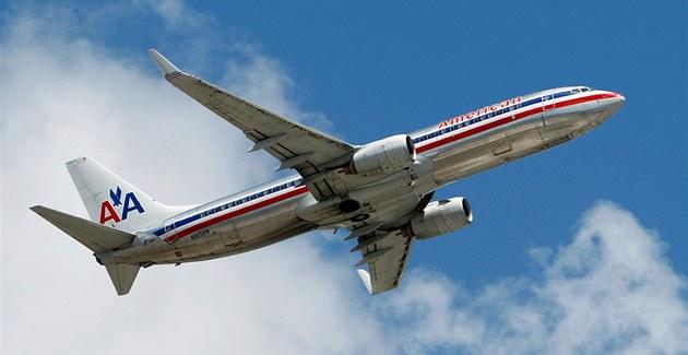 Letadlo spole�nosti American Airlines (ilustra�ní snímek)
