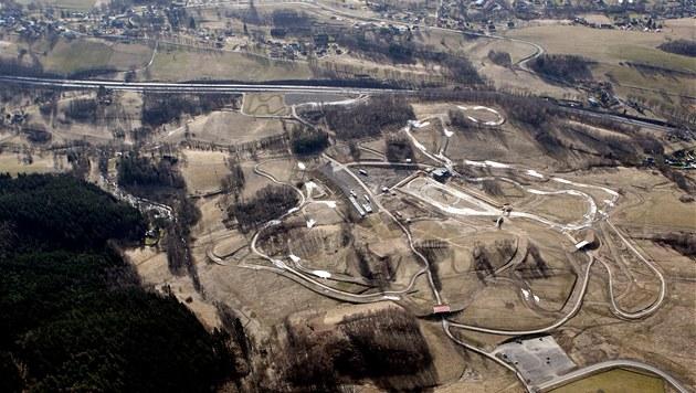 Pohled na areál ve Vesci (26. února 2008)
