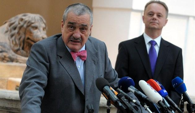 Předseda TOP 09 Karel Schwarzenberg na tiskové konferenci k zásahům v NP Šumava