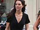 Kate Middletonov� p�ed svatbou extr�mn� zhubla.