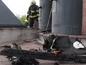 Hasiči likvidují požár krematoria v Pardubicích