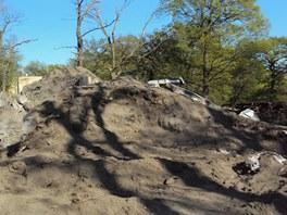 Záběry z místa výbuchu v chemičce v Pardubicích-Semtíně