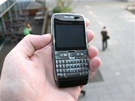 ��nsk� telefon ZOHO E71D