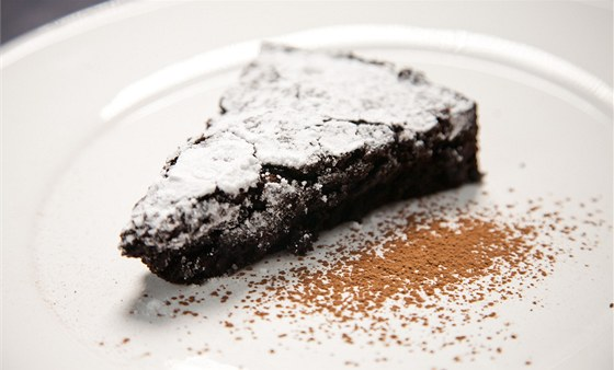 Měkoučký čokoládový dort bez mouky, italsky torta tenerina