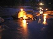 Noční Vysočina v Zrcadle: Stvořidla na řece Sázavě - Fotograf jihlavské redakce MF DNES Petr Lemberk zvěčnil nejkrásnější místa Vysočiny po setmění