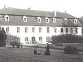 Nostalgická vzpomínka na krásné časy zámku.
