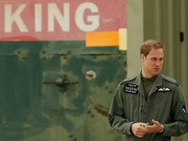 Britsk princ William v leteckm vcvikovm stedisku Shawbury (19. ervna 2009)