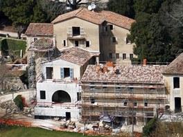 Rozsáhlá rekonstrukce zámku Miraval začala před rokem.
