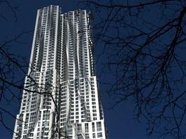 Obytný mrakodrap má 76 pater. Stavět se začal v roce 2006.
