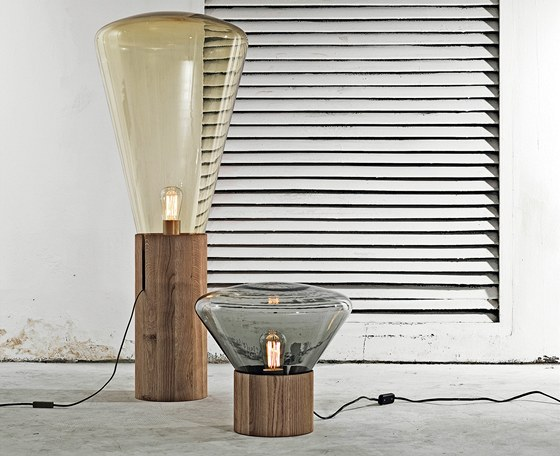 Svítidla Muffins. Lucie je navrhla s Danem Yeffetem a byli za ně společně za nábytek Stix nominováni na titul Designér roku 2010.