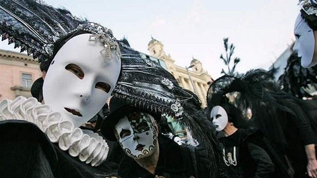 Slavnost masek 2009 na nám�stí Svobody v Brn� (Národní divadlo Brno)
