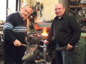 Mistři kováři. Jan Beran a Jan Beran ml. - Otec a syn dnes provozují jednu z největších kovářských dílen v Česku.