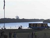 Odpočet před pondělním startem raketoplánu Endeavour