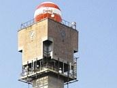 Meteorologická věž na Libuši z roku 1974 od Karla Hubáčka.  Na vysokou...