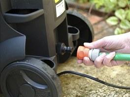 Ideální je vložit mezi přívod vody dodatečný vodní filtr.