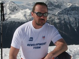 Petr Ma�ek p�i testov�n� olympijsk� kolekce
