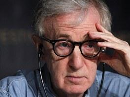 Cannes 2011 - zoufalý Woody Allen na tiskové konferenci k filmu Půlnoc v Paříži