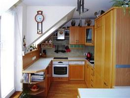 Byt si majitelé pochvalují. Jediné, co jim vadí, je malá potravinová skříň v kuchyni.