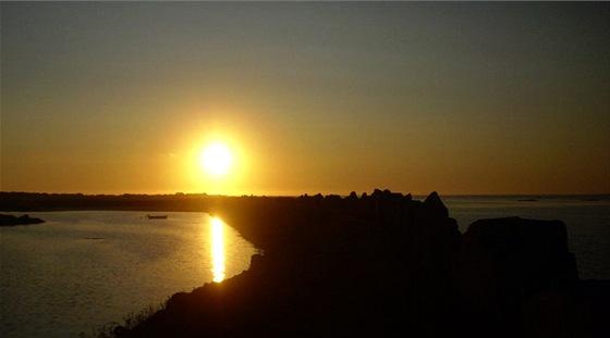 P�lno�n� slunce na Lofotech