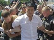 Policist� zat�kaj� aktivistu za pr�va gay� Daniela Choie