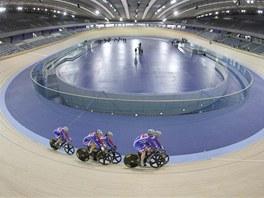 Olympijský velodrom v Londýně. Autorem je studio Michaela Hopkinse, kterému radil známý cyklistický závodník Chris Hoy.