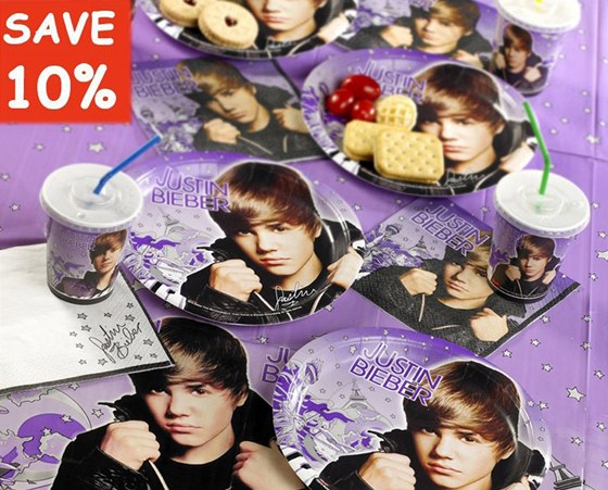 Party předměty s Justinem Bieberem začala prodávat rodina Middletonových