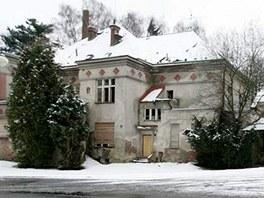 Sochorova vila stála vedle supermarketu ve Dvoře Králové nad Labem