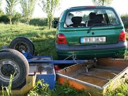 Nehoda renaultu u Kunčí (30. května 2011)