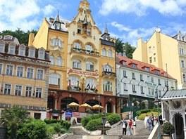Na místě bývalého lázeňského domu Puškin je dnes v Karlových Varech hotel Romance.