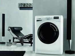 Pračka Whirlpool Aquasteam 9701 s kapacitou 9 kg nabízí možnost praní v páře.
