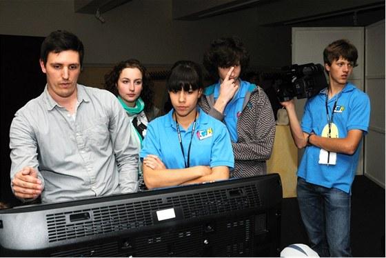 Školáci ze ZŠ Angel při návštěvě hamburských filmových studií.