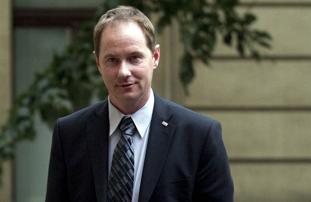 Petr Gazdík p�ed jednáním koali�ních lídr� (1. �ervna 2011)
