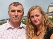 Petra Kvitová se svým otcem Jiřím a perlou svého rodiště, fulneckým zámkem, v