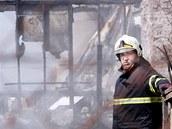 Požár skládky pneumatik a pryže v Boru u Skutče (7. června 2011)
