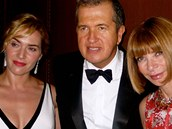 Kate Winsletov, Mario Testino a Anna Wintourov