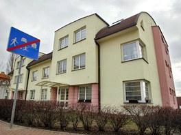 Byt v Libni v novostavbě v Kubišově ulici vznikl spojením dvou jednotek.