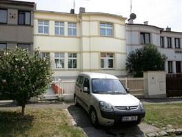 Řadový dům Klausových v Kobylisích prošel rekonstrukcí.